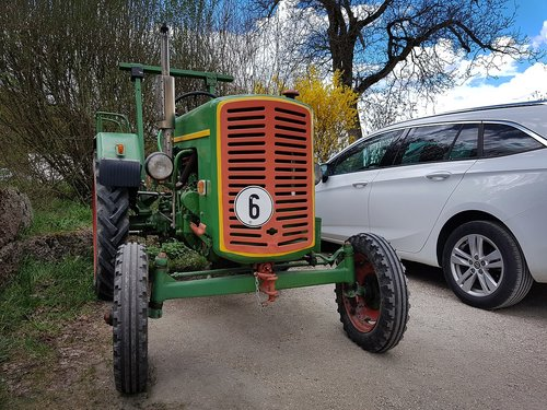 tractor  old  pkw