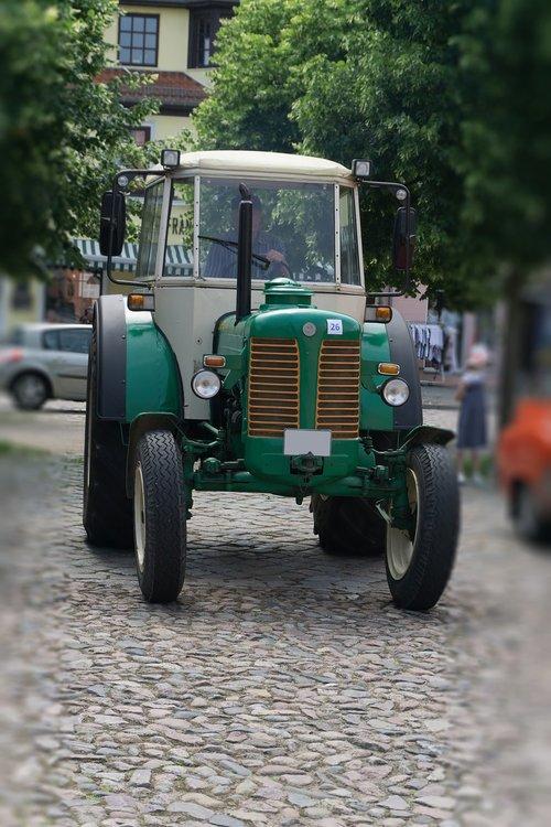 tractor  old  oldtimer