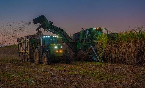 tractor  john deere  sugar