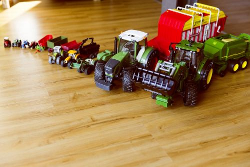 tractor bulldog toys