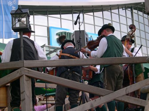 tradition bavarian music band