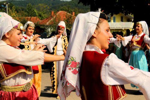 tradition dance woman