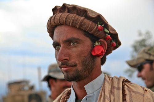 tradition man headdress