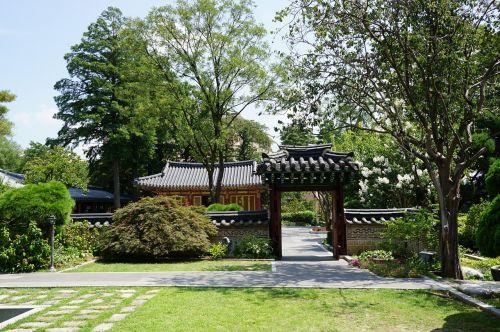 traditional republic of korea construction