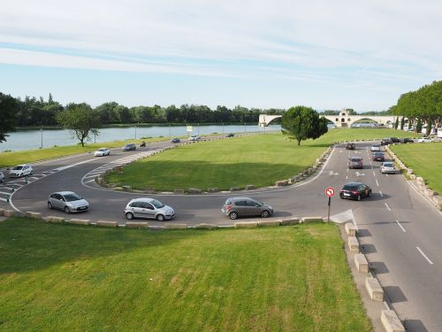traffic road avignon