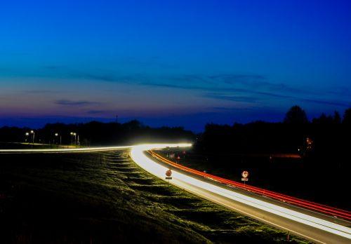 traffic lights night