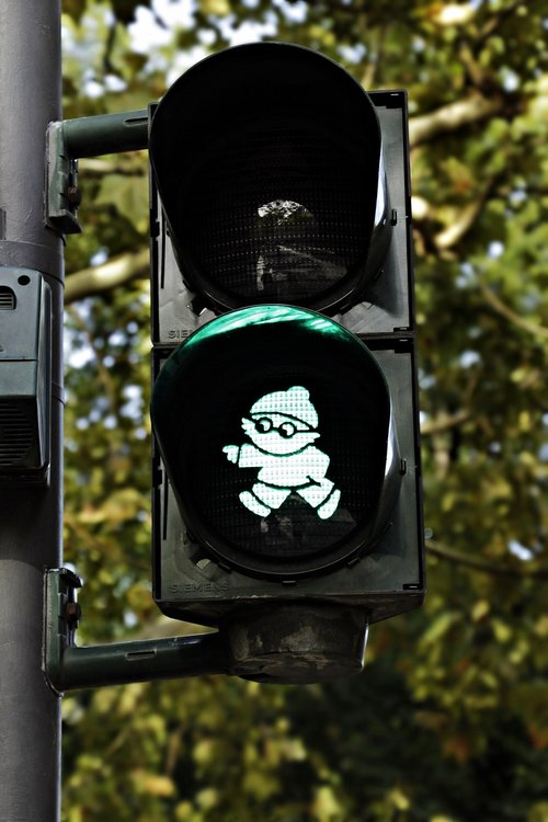 traffic lights  mainzelmännchen  green