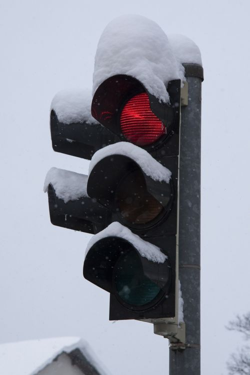 traffic lights red winter