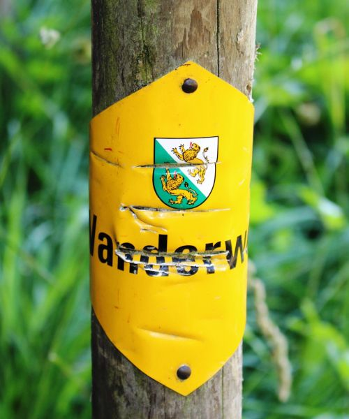 trail signpost official