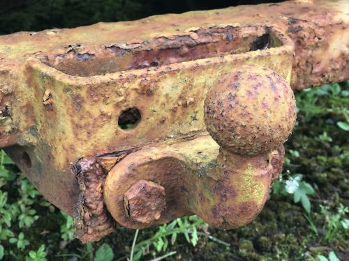 trailer hitch rusted old car