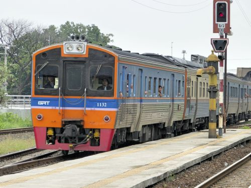 train thailand regional train