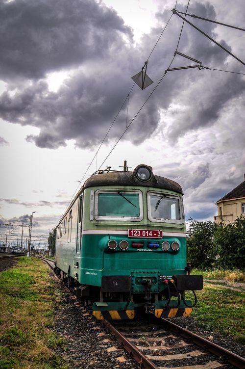train track railway