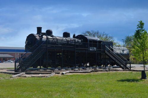 train fort riley kansas