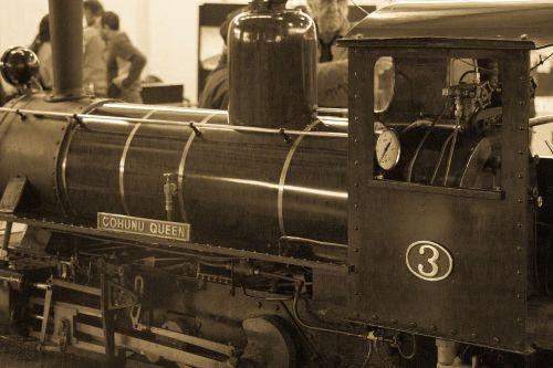 train old loco