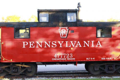 train red railroad