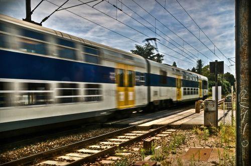 traukinys,greitis,geležinkelis,hdr