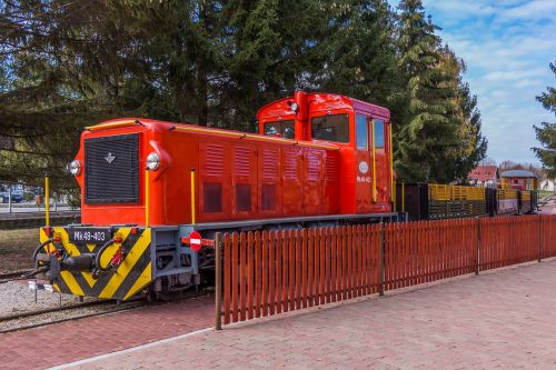train travel rail