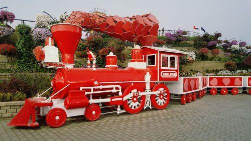 train,dubai,red,cool,fun,sexy,funny,city,fun life