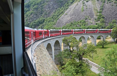 train switzerland alpine
