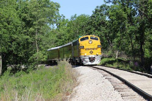 train diesel locomotive locomotive