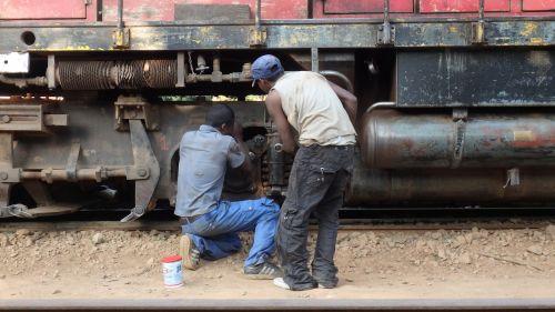 train repair madagascar