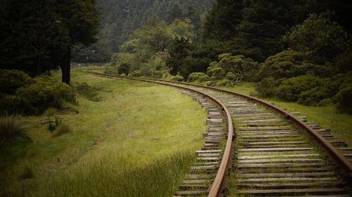 train pathways travel