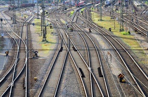 train  railway station  railway