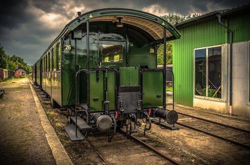 train  wagon  dare