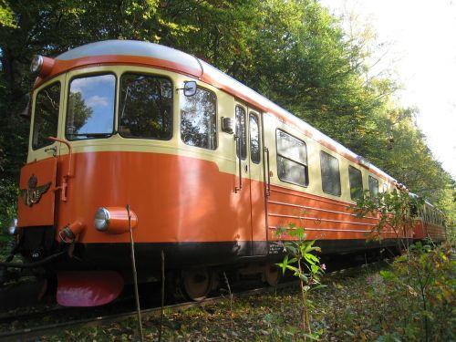 train trailers colors