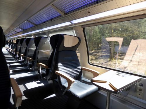 train compartment first class
