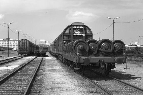 train trailers rail