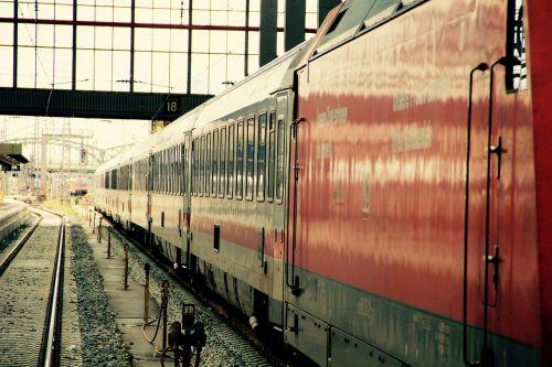 train track railway station