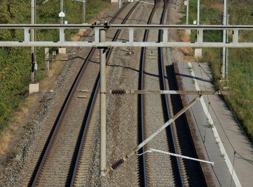 trains catenary son