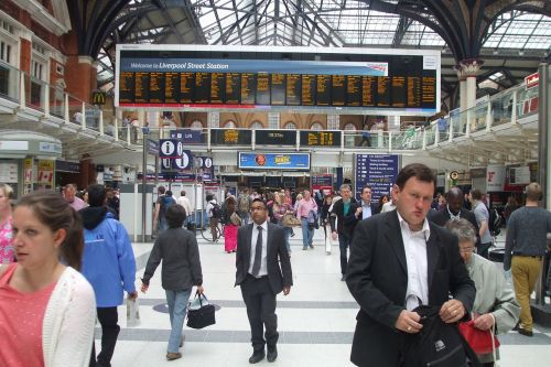 trains station commuters london