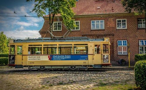 tram  current  electric