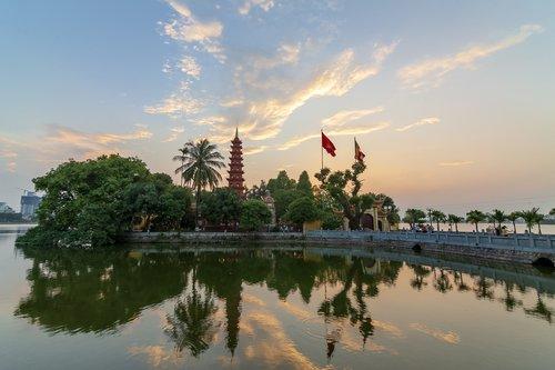 tran quoc pagoda  old pagoda in hanoi  hanoi