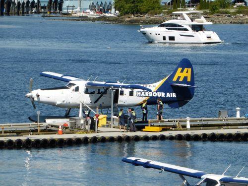 transport plane seaplane