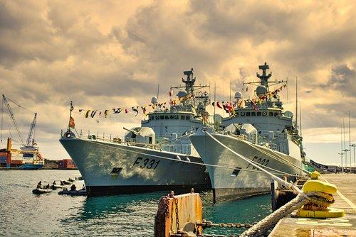 transport  ships  war