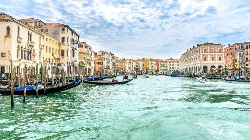kelionė,šventė,Venecija,gondolos,kanalo grande,kanalas,namai,architektūra,žmogus,transportas,užsiėmes,vasara,atrasti,italy,darbas,venezija,menas,tradicija
