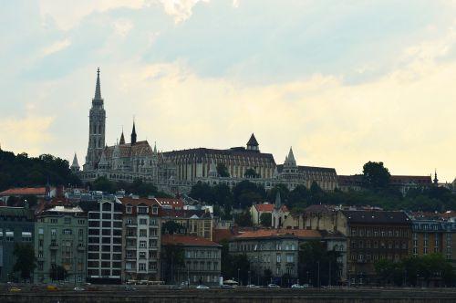 travel budapest buda