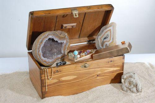 treasure pirates minerals
