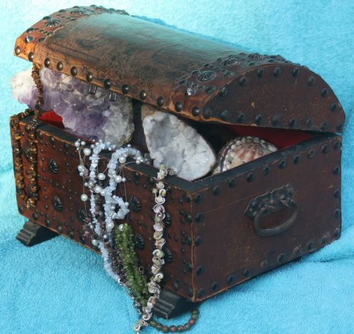 treasure gems box