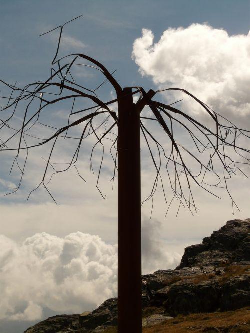 tree abstract metal