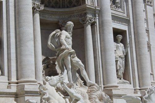 trevi fontana sculpture