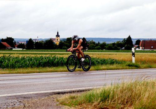 triathlon triathlete cyclists