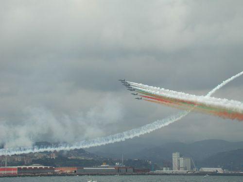 tricolor arrows aircraft italy