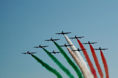 tricolor arrows military airshow