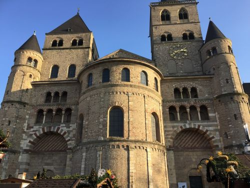 trier christmas market cathedral square