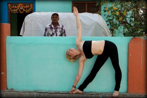 trikonasana triangle yoga
