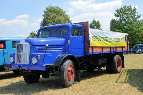 truck historically oldtimer